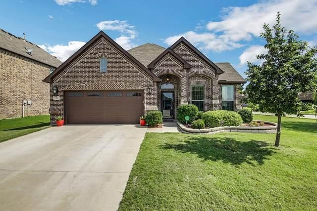 716 Shadow River Drive, Saginaw, TX 76179 (MLS #14377157) :: The Kimberly Davis Group