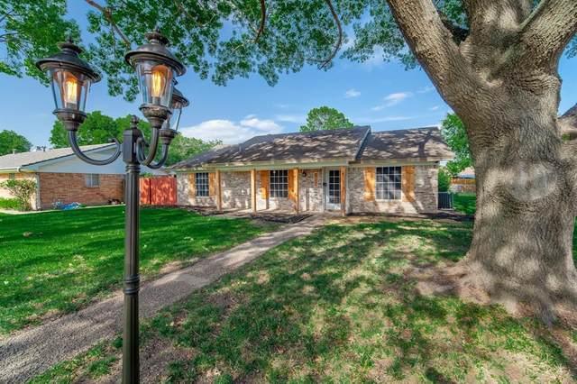 1813 Santa Rosa Court, Grand Prairie, TX 75051 (MLS #14377179) :: NewHomePrograms.com LLC