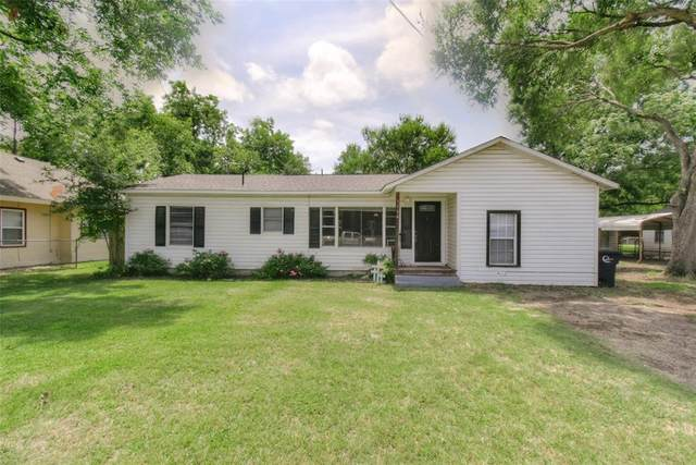 1104 Gleason Avenue, Cleburne, TX 76033 (MLS #14377263) :: Robbins Real Estate Group