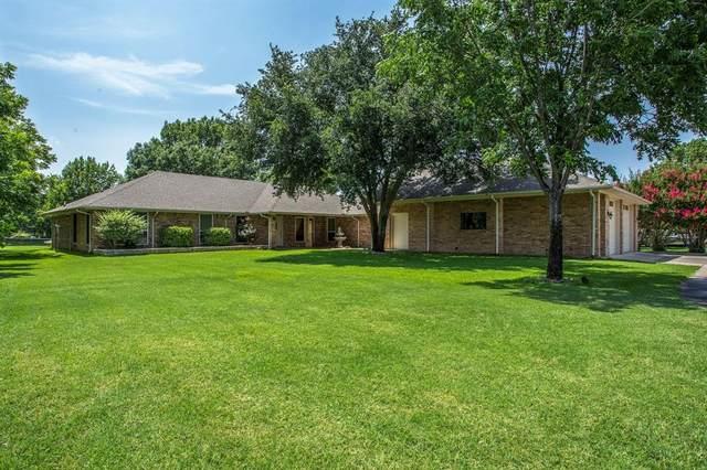 4012 Apache Trail Court, Granbury, TX 76048 (MLS #14377589) :: Robbins Real Estate Group