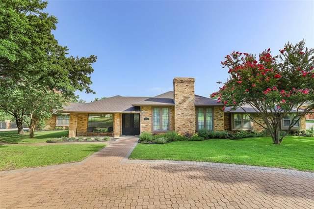 2233 High Country Drive, Carrollton, TX 75007 (MLS #14377619) :: Trinity Premier Properties