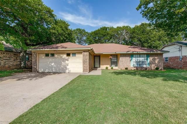 6011 Big Springs Drive, Arlington, TX 76001 (MLS #14377625) :: The Chad Smith Team