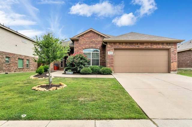 5115 Crystal Lake Avenue, Krum, TX 76249 (MLS #14377634) :: Trinity Premier Properties