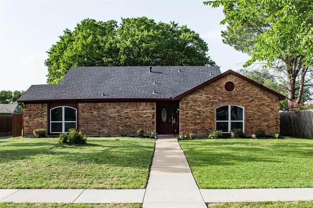 925 Via Coronado, Mesquite, TX 75150 (MLS #14377718) :: Tenesha Lusk Realty Group
