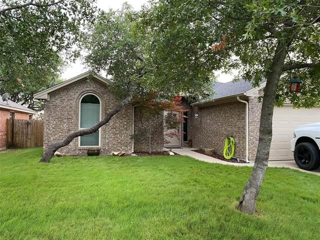 913 King Street, Weatherford, TX 76086 (MLS #14377887) :: NewHomePrograms.com LLC
