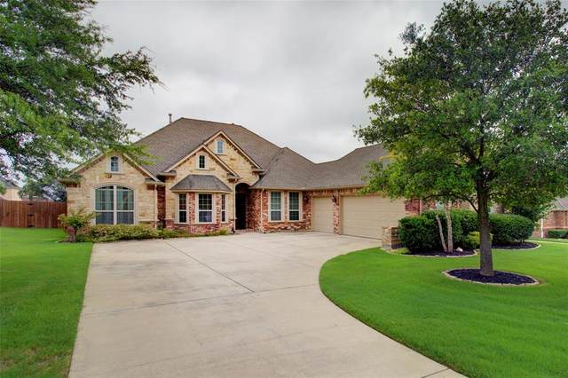 8231 Glenwick Drive, Waxahachie, TX 75167 (MLS #14377931) :: Real Estate By Design