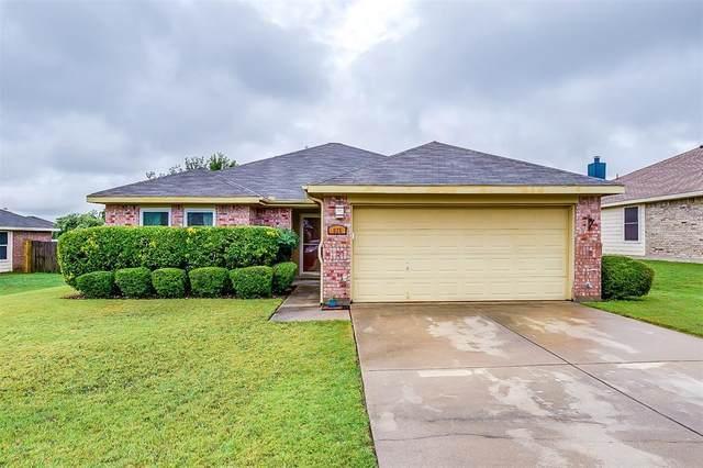 825 Edgehill Road, Burleson, TX 76028 (MLS #14377999) :: Baldree Home Team