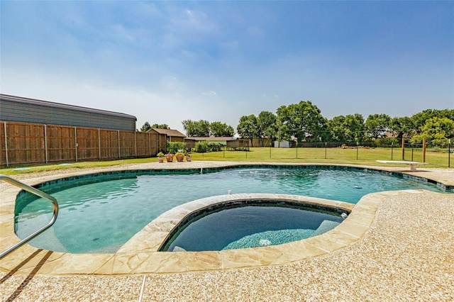 922 Twin Oaks Drive, Wylie, TX 75098 (MLS #14378322) :: The Chad Smith Team