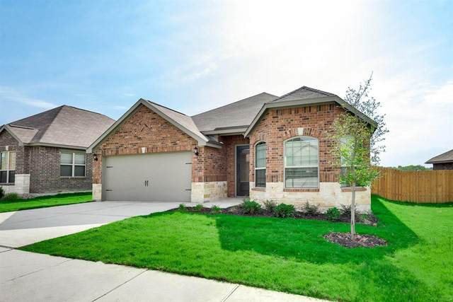 5413 Songbird Trail, Denton, TX 76207 (MLS #14378361) :: Baldree Home Team