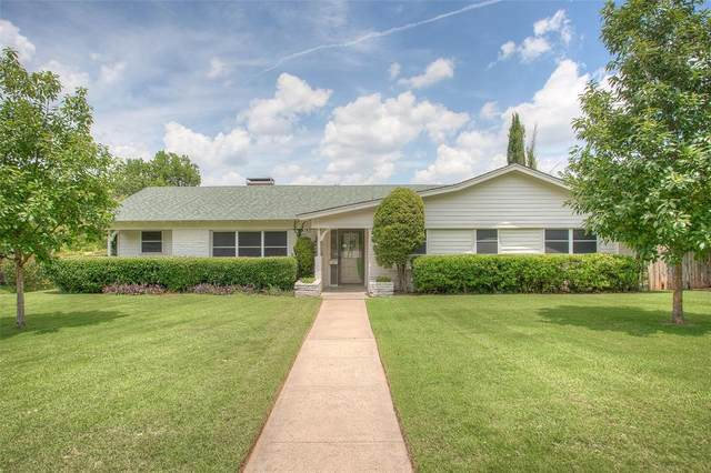 1701 Versailles Road, Fort Worth, TX 76116 (MLS #14378439) :: Team Hodnett