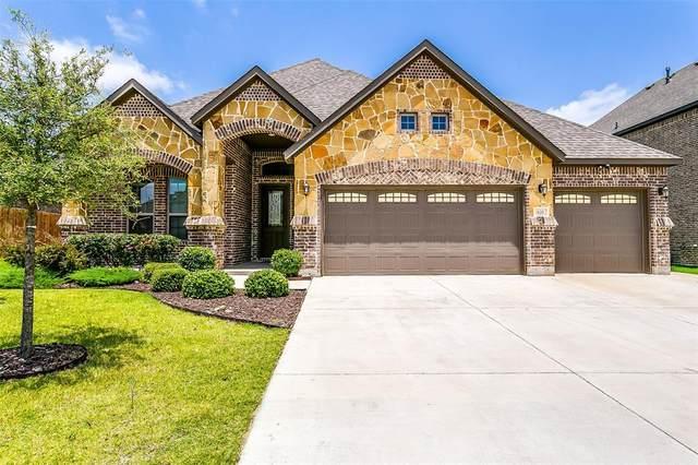 620 Ravenwood Drive, Saginaw, TX 76179 (MLS #14378825) :: The Kimberly Davis Group