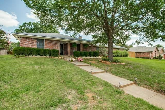 2802 Caprice, Denison, TX 75020 (MLS #14378854) :: Real Estate By Design