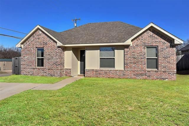 401 E Maple Row, Denison, TX 75021 (MLS #14378993) :: Real Estate By Design