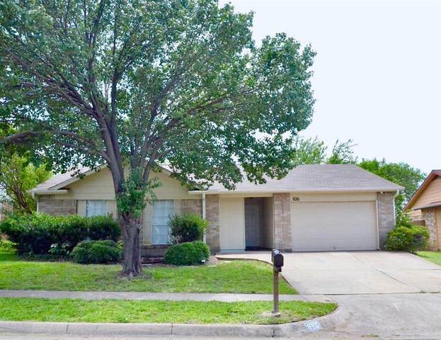 826 W Embercrest Drive, Arlington, TX 76017 (MLS #14379013) :: The Chad Smith Team