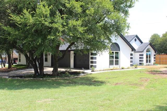 3901 Del Rio Court, Granbury, TX 76049 (MLS #14379059) :: The Rhodes Team