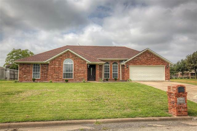 1911 La Fontaine Lane, Greenville, TX 75402 (MLS #14379136) :: Team Hodnett
