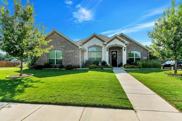 550 Ascot Way, Azle, TX 76020 (MLS #14379191) :: Robbins Real Estate Group
