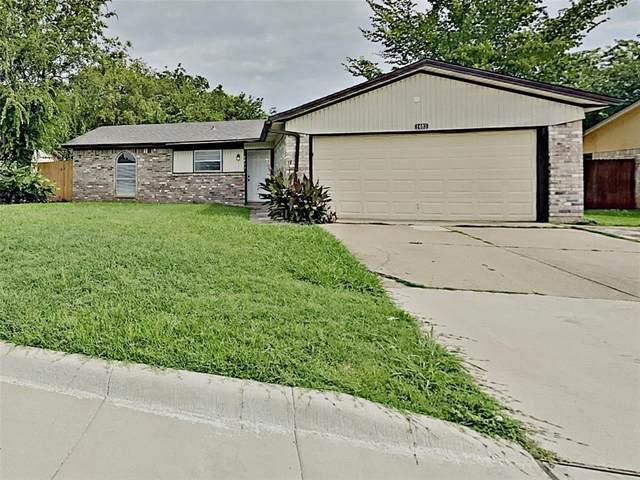 1403 Amhurst Drive, Arlington, TX 76014 (MLS #14379274) :: Frankie Arthur Real Estate