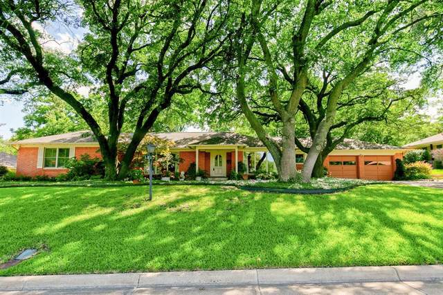4112 Angus Drive, Fort Worth, TX 76116 (MLS #14379330) :: Tenesha Lusk Realty Group