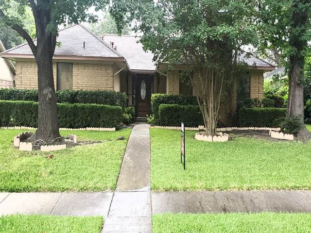 2323 Riverway Drive, Dallas, TX 75227 (MLS #14379537) :: The Heyl Group at Keller Williams