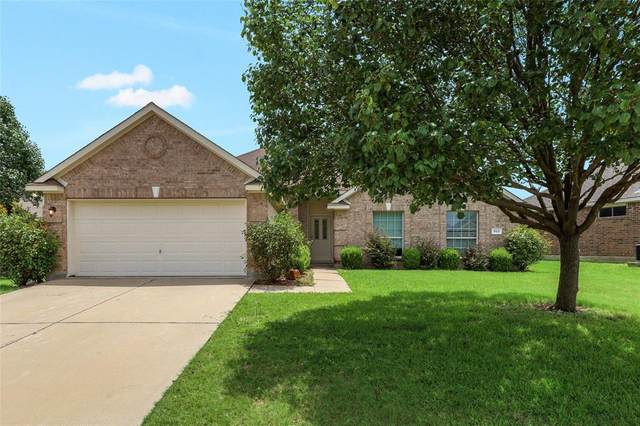 913 Cutting Horse Drive, Mansfield, TX 76063 (MLS #14379595) :: All Cities USA Realty