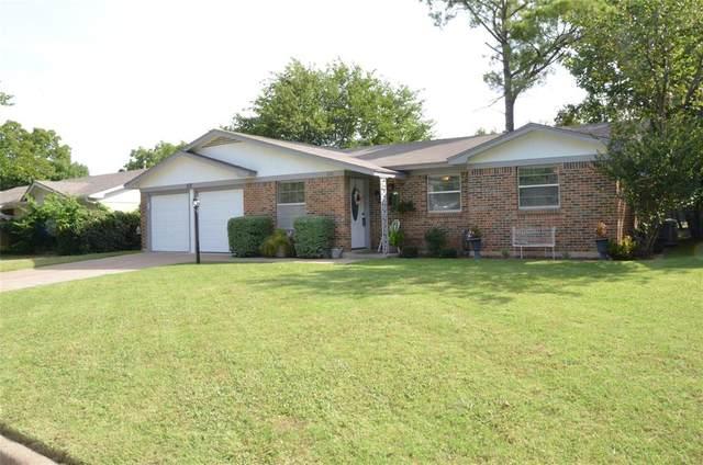312 Jayellen Avenue, Burleson, TX 76028 (MLS #14379852) :: Baldree Home Team