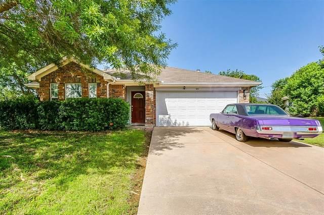 909 Beaver Creek Drive, Burleson, TX 76028 (MLS #14379854) :: Baldree Home Team