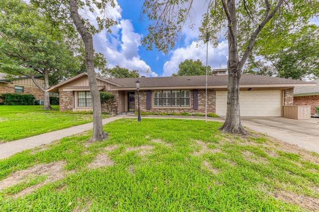 328 Plainview Drive, Hurst, TX 76054 (MLS #14380029) :: RE/MAX Pinnacle Group REALTORS
