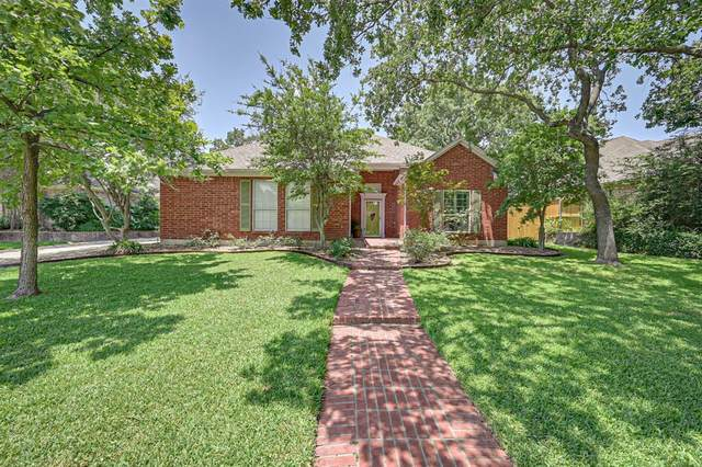 2406 Wild Rose Court, Arlington, TX 76006 (MLS #14380111) :: Trinity Premier Properties
