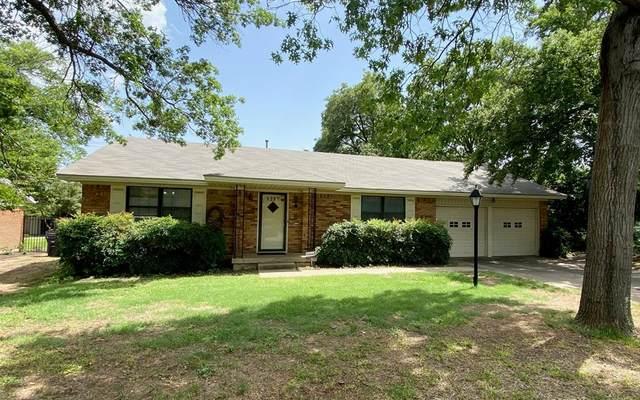 1217 Amherst Drive, Denton, TX 76201 (MLS #14380258) :: Century 21 Judge Fite Company