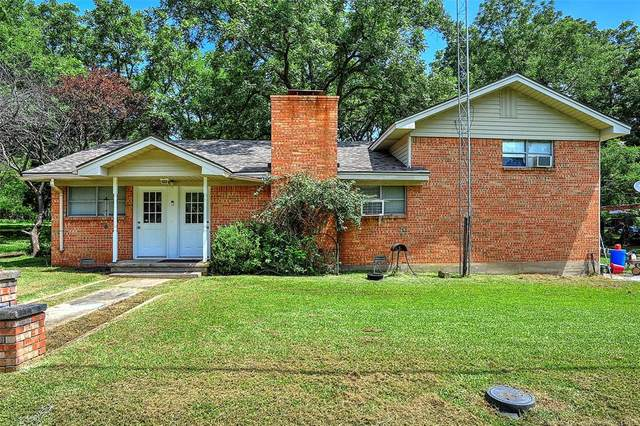 211 Beach Drive, Pottsboro, TX 75076 (MLS #14380306) :: Real Estate By Design