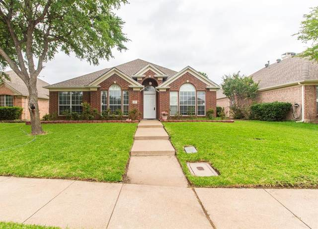 207 Meredith Court, Irving, TX 75063 (MLS #14380430) :: Justin Bassett Realty