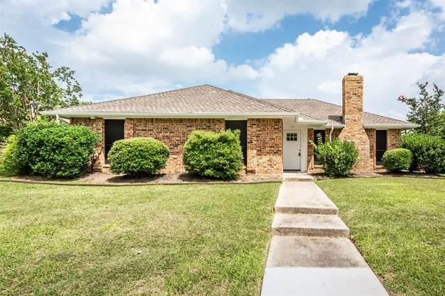 320 Pinyon Lane, Coppell, TX 75019 (MLS #14380450) :: The Rhodes Team