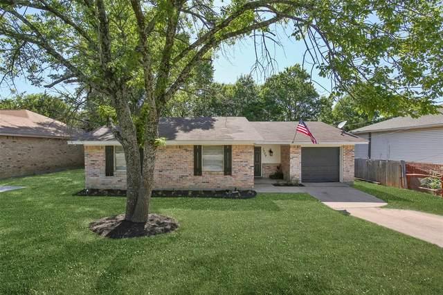 1739 Meadow Crest Lane, Duncanville, TX 75137 (MLS #14380785) :: Tenesha Lusk Realty Group