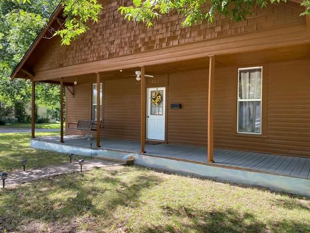 820 S 5th Street, Bonham, TX 75418 (MLS #14380840) :: Baldree Home Team
