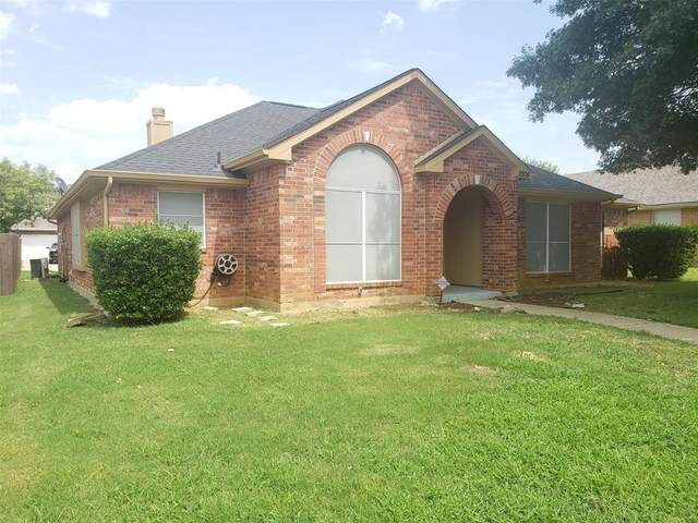 2904 Normandy Court, Euless, TX 76039 (MLS #14380872) :: Tenesha Lusk Realty Group