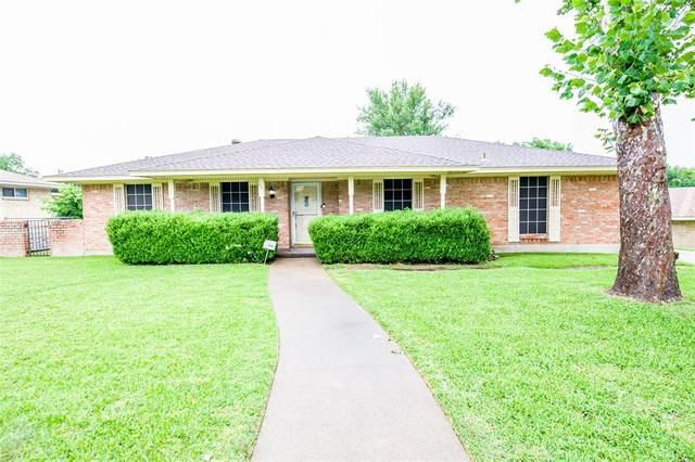 421 Kathy Drive, Desoto, TX 75115 (MLS #14380895) :: Real Estate By Design