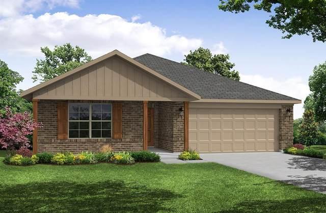 2217 Kingfisher Street, Crandall, TX 75114 (MLS #14381199) :: The Kimberly Davis Group