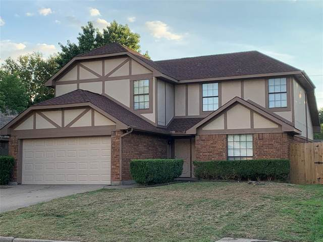 2106 Woodland Oaks Drive, Arlington, TX 76013 (MLS #14381370) :: The Mauelshagen Group