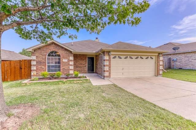 1337 Marie Lane, White Settlement, TX 76108 (MLS #14381673) :: Team Tiller