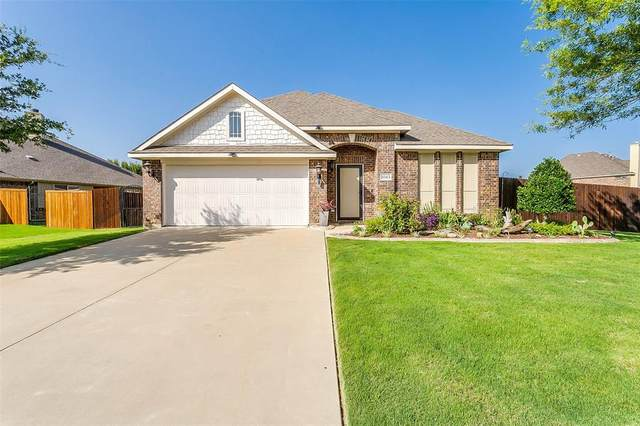1045 Tara Drive, Burleson, TX 76028 (MLS #14381739) :: The Chad Smith Team