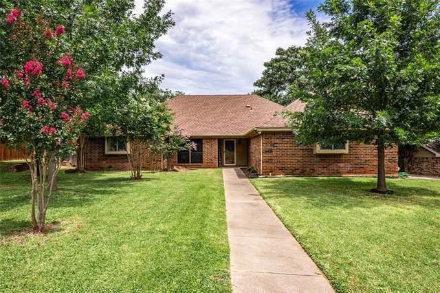 7333 Londonderry Drive, North Richland Hills, TX 76182 (MLS #14381826) :: Justin Bassett Realty