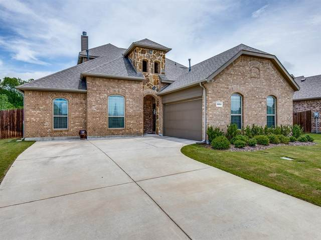 1524 Chesapeake Drive, Rockwall, TX 75087 (MLS #14382066) :: Maegan Brest | Keller Williams Realty