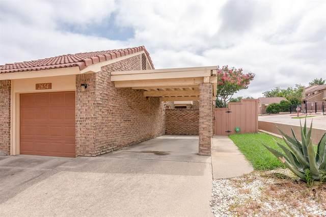 2654 Entrada Boulevard, Irving, TX 75038 (MLS #14382411) :: Team Tiller