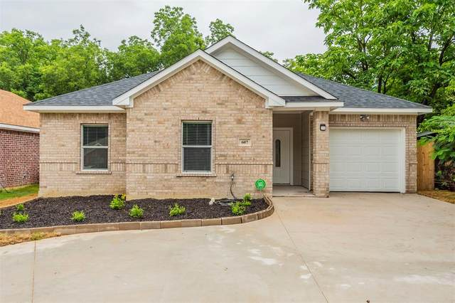 607 E Jefferson Street, Waxahachie, TX 75165 (MLS #14382636) :: The Welch Team