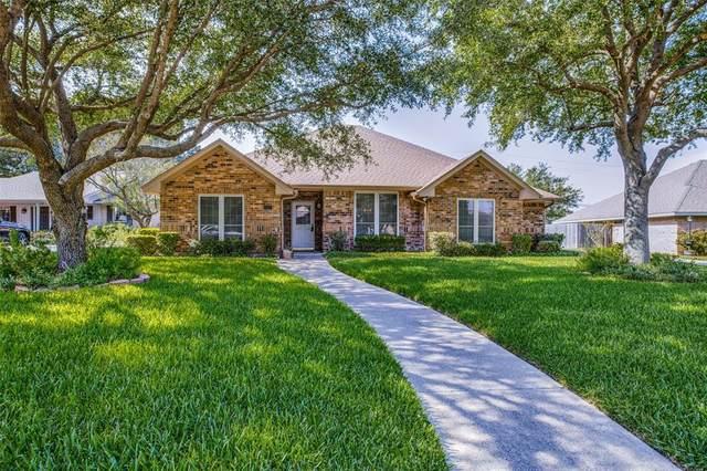 1207 High Ridge Drive, Duncanville, TX 75137 (MLS #14382720) :: Tenesha Lusk Realty Group