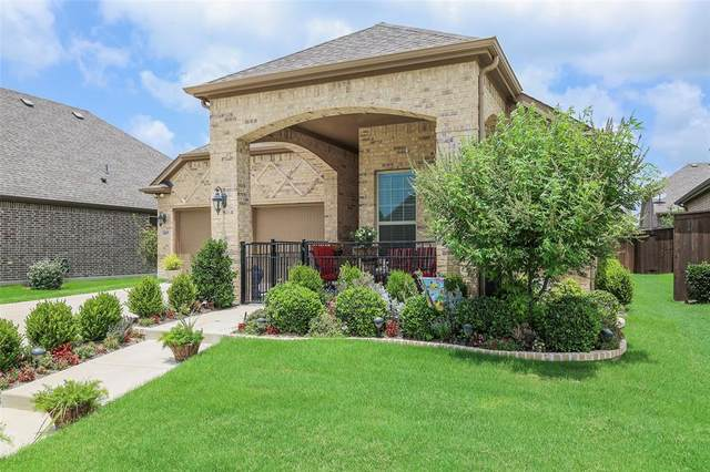 805 Orleans Square, Aubrey, TX 76227 (MLS #14382761) :: Real Estate By Design
