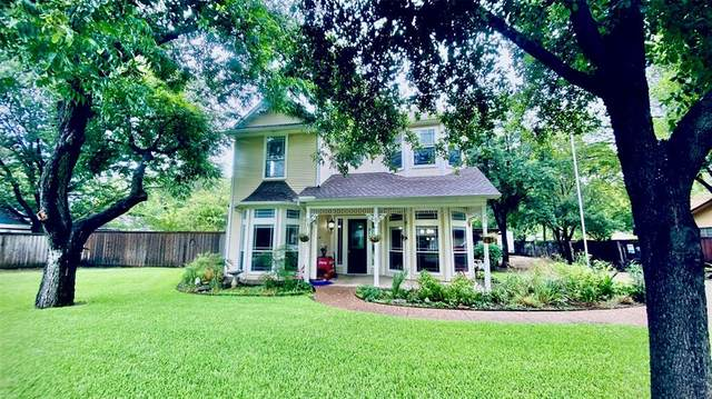 317 N Edna Avenue, Lewisville, TX 75057 (MLS #14383080) :: The Kimberly Davis Group