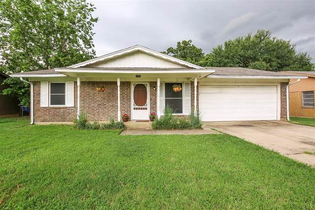 3326 Brighton Drive, Denton, TX 76210 (MLS #14383292) :: All Cities USA Realty