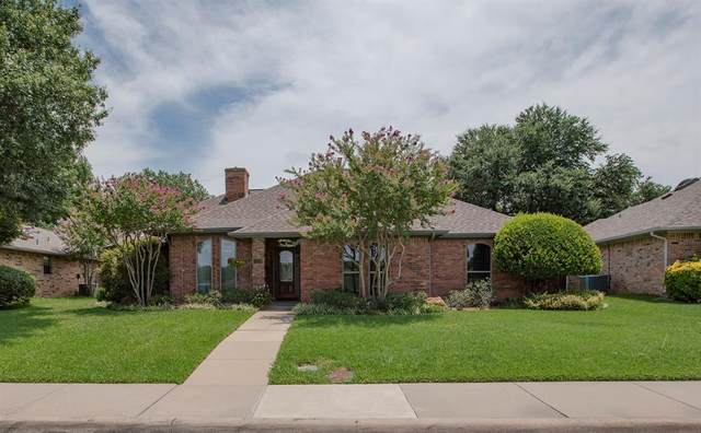 1606 Crooked Creek Drive, Carrollton, TX 75007 (MLS #14383345) :: Team Tiller
